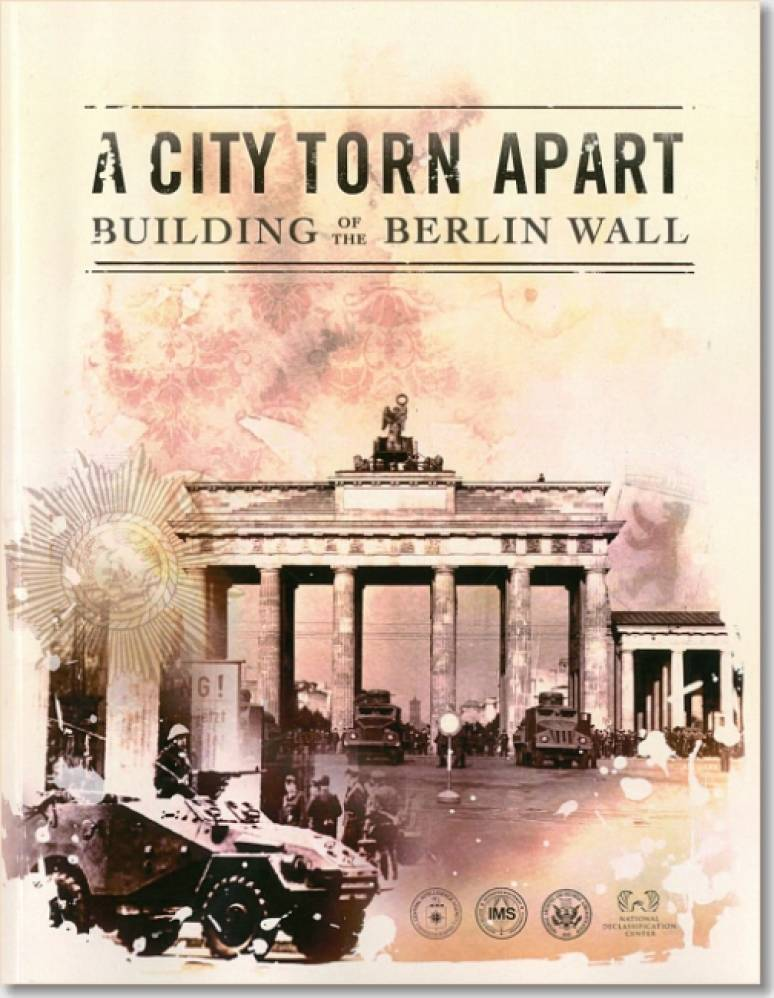 A City Torn Apart: Building of the Berlin Wall (Book and DVD)